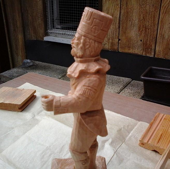 Figur aus Lindenholz